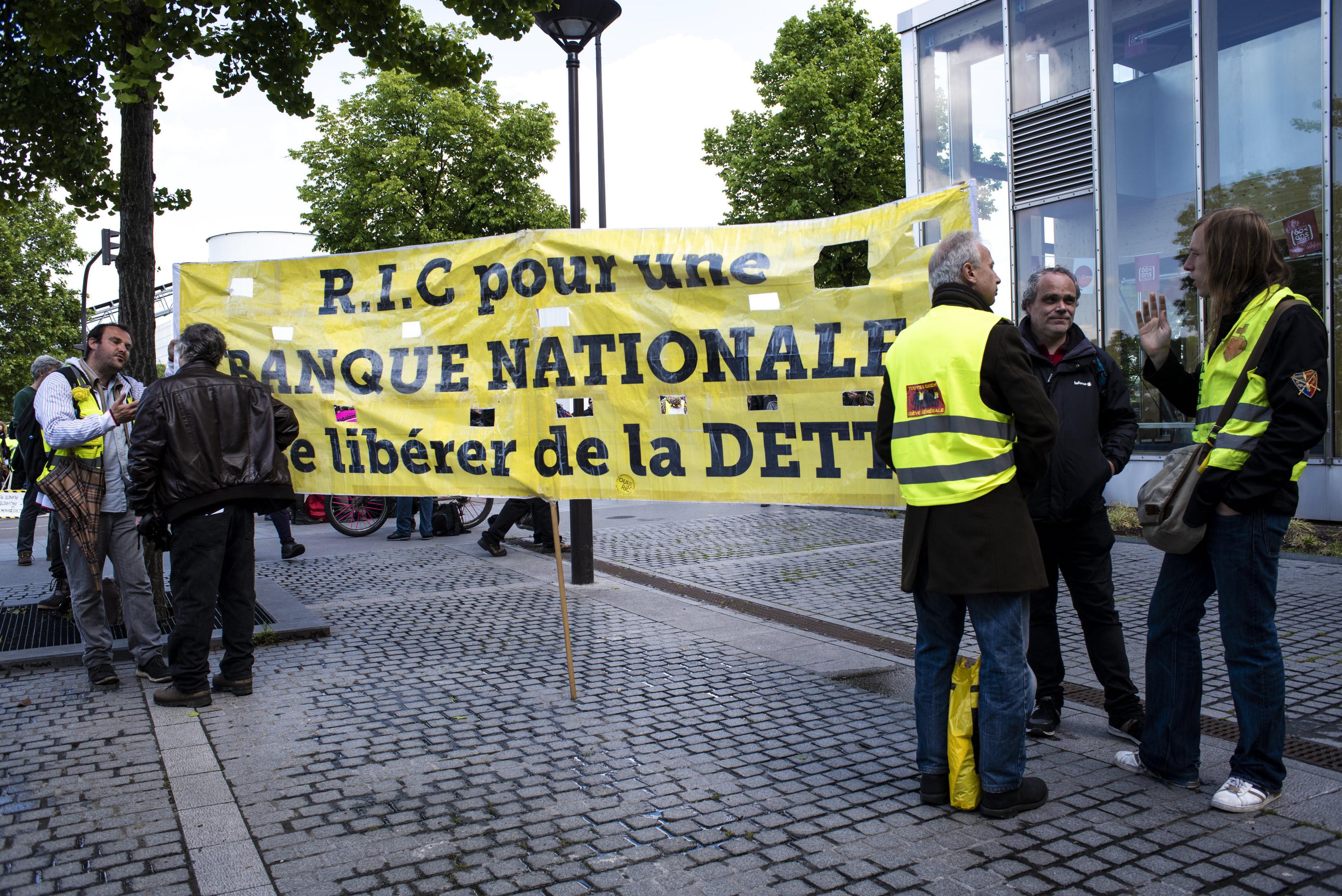 Covid-19 : Faut-il annuler la dette des États détenue par la Banque centrale européenne? Débat entre Jézabel Couppey-Soubeyran et Jean Pisani-Ferry