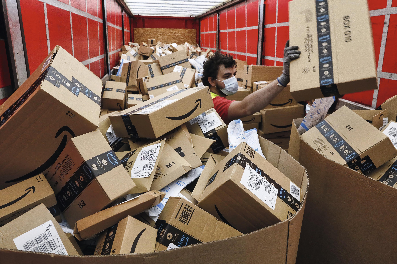Comment la livraison de colisà domicile transforme l'économie et les villes
