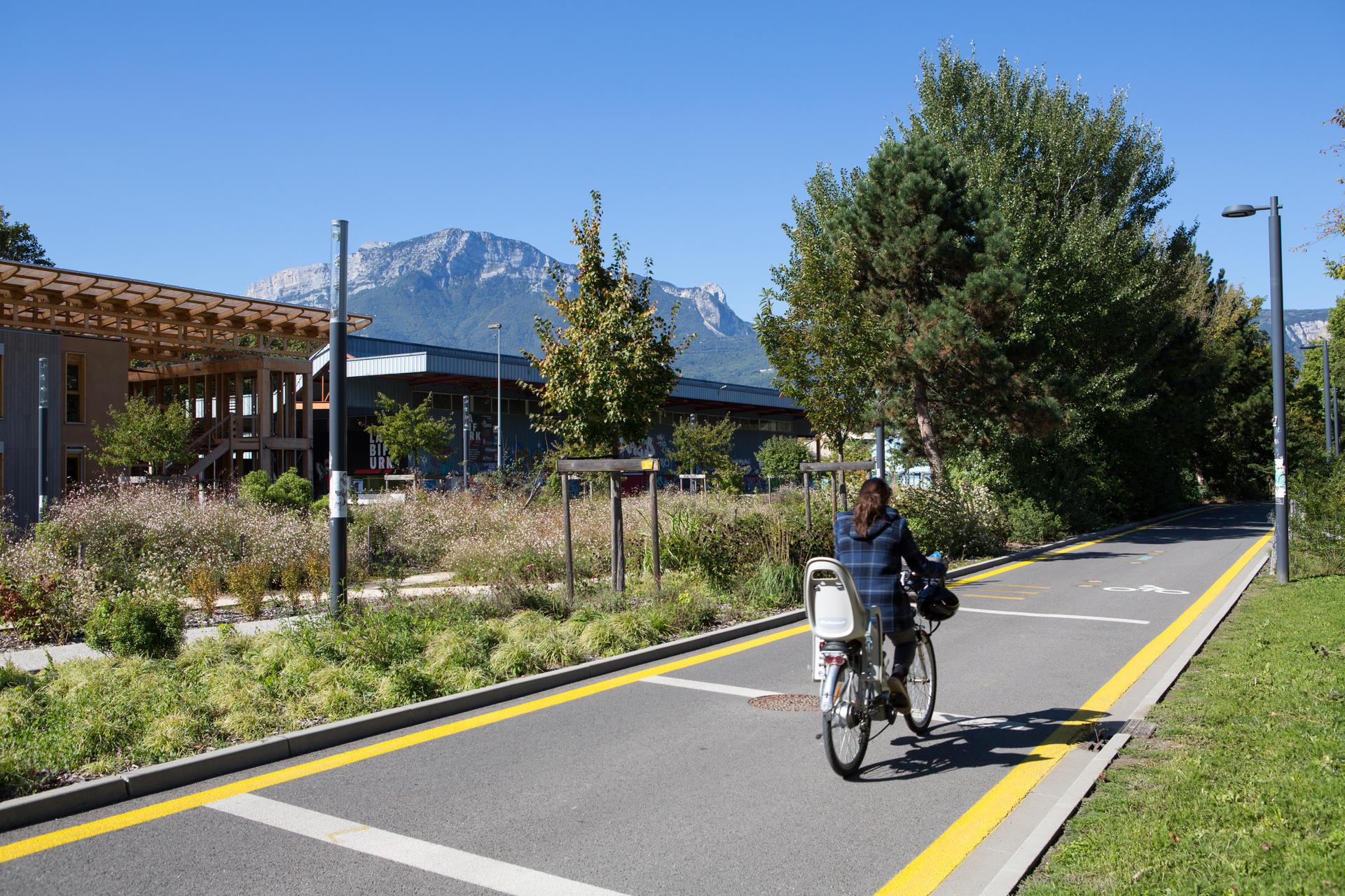 Le vélo pour aller travailler : Grenoble et Strasbourg en tête, Saint-Étienne loin derrière