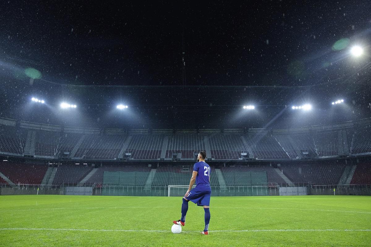 Football : comment les clubs gèrent la manne financière des supporters