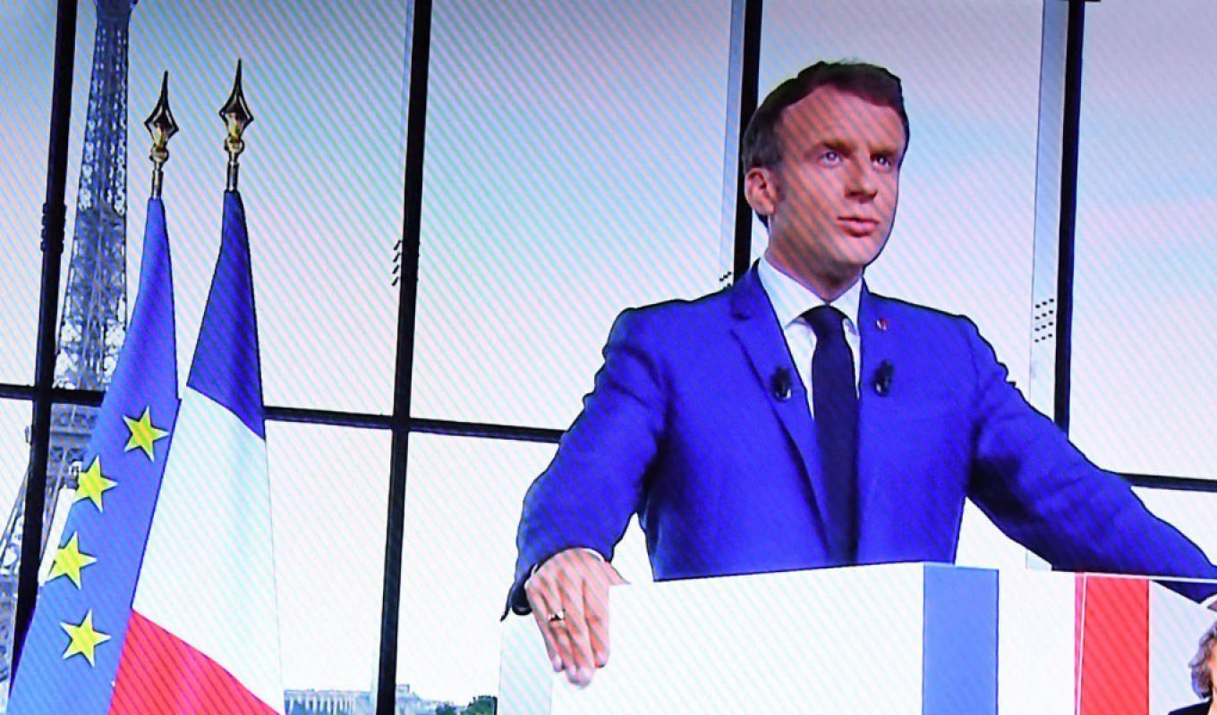 Chômage : gagne-t-on plus d'argent en restant chez soi qu'en travaillant, comme l'a affirmé Emmanuel Macron ?