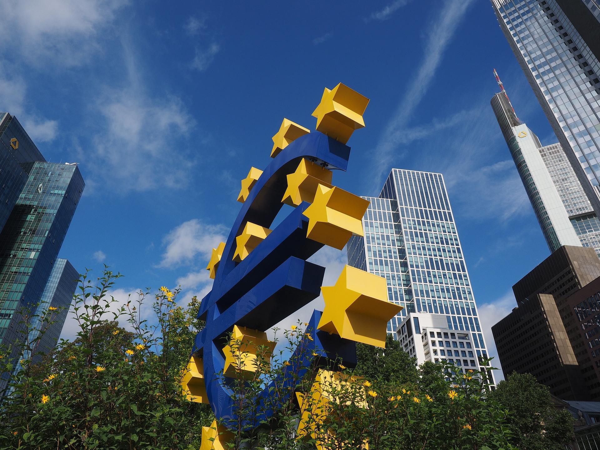 L'inflation n'effraie plus la BCE, elle change sa politique monétaire