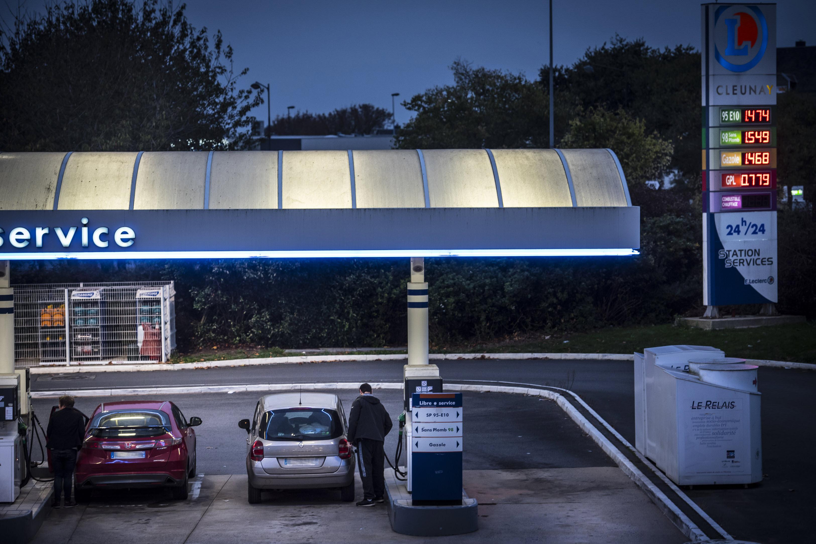 Climat : l'essence à deux euros le litre, une fatalité ?