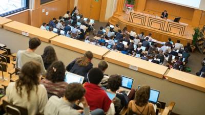 Sciences Po fait payer pour nommer les sièges d'un amphi