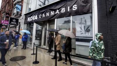 Au Canada, le cannabis illégal fait de la résistance