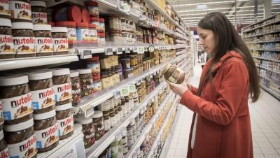 """Marie-Claire Villeval : """"Les vendeurs ont toujours su utiliser les biais psychologiques pour orienter nos décisions d'acheteurs"""""""