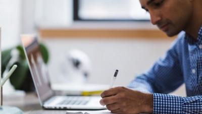 Discriminations à l'embauche: l'étrange différence public-privé