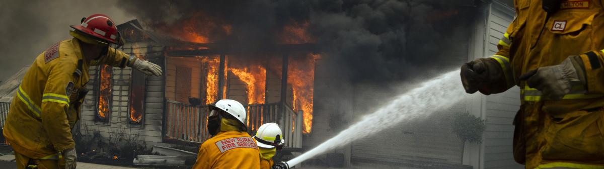 Contre les incendiesen Australie, le brûlant financement des pompiers volontaires