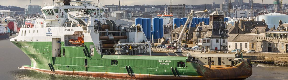L'or noir abonde,les pétroliers font des ronds dans l'eau